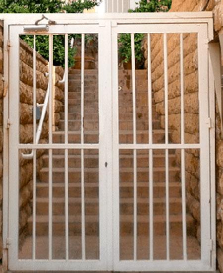 Решётчатые двери и перегородки